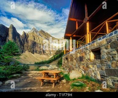 Teehaus am Lake Agnes. Banff National Park, Kanada Stockbild