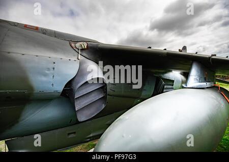 Die Harrier, informell als der Harrier Jump Jet, ist eine Familie von Jet-powered Angriff Flugzeug, vertikal/kurze Start- und Landebahn Stockbild