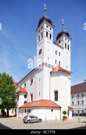 Hofkirche in der Altstadt, Günzburg, Schwaben, Bayern, Deutschland, EuropeHofkirchein der Altstadt, Günzburg, Schwaben, Bayern, Deutschland, Europa Stockbild