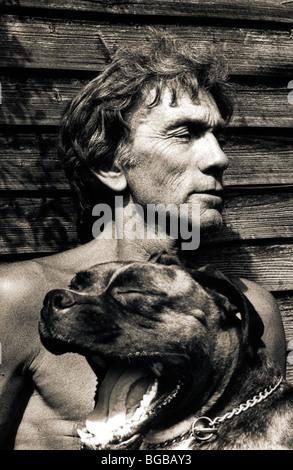 Foto der pensionierte Mann Boxer Hund Sommersonne Baden gut aussehend Stockbild