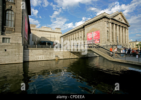 Pergamon-Museum, Fluss Spree, Berlin, Deutschland, Europa Stockbild