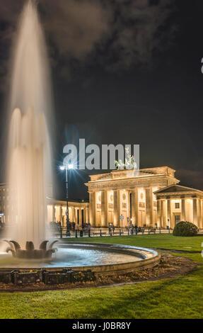 Brandenburger Tor Bei Nacht, Berlin, Deutschland | Brandenburger Tor bei Nacht, Berlin, Deutschland Stockbild