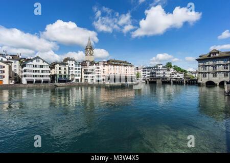 Limmat, St. Peterskirche, Zürich, Schweiz | Limmat, St. Peters Kirche, Stadt Zürich, Schweiz Stockbild