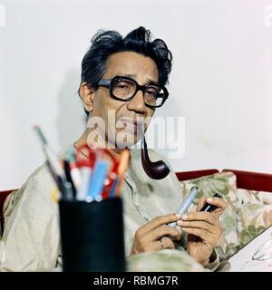 Bal Thackeray Rauchen einer Pfeife, Indien, Asien Stockbild