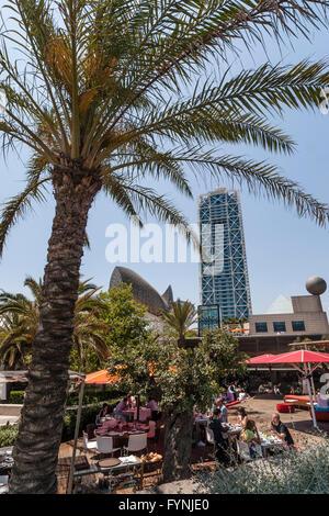 Platja De La Barceloneta Hotels Kunst Skulptur von Frank Gehry, Strandbar, Barcelona Stockbild