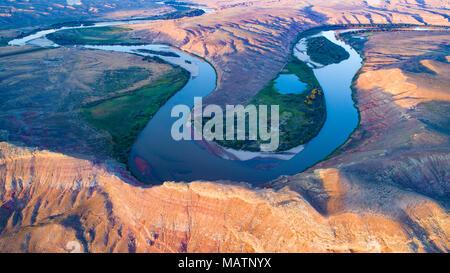 Biegungen des Green River unter Jenson, Utah Stockbild