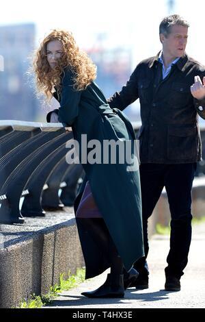 New York, NY, USA. 16 Apr, 2019. Nicole Kidman, Hugh Grant heraus und über für Celebrity Candids-DI, New York, NY, 16. April 2019. Credit: Kristin Callahan/Everett Collection/Alamy leben Nachrichten Stockbild