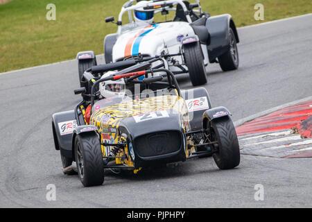 2008 Caterham Supersport Klasse B, mit Fahrer Tim Rowbottom während der Gold Kunst herrliche Sevens Rennen in Snetterton, Norfolk, Großbritannien. Stockbild