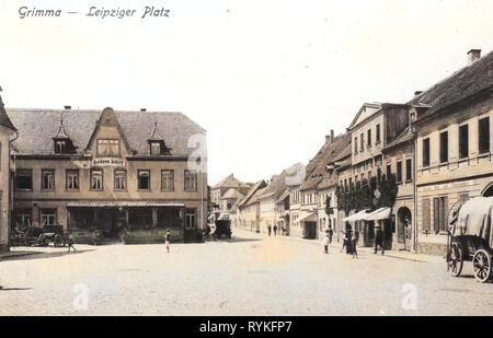 Gedeckte Wagen, Gebäude in Grimma, städtische Plätze, 1915, Landkreis Leipzig, Grimma, Leipziger Platz, Deutschland Stockbild