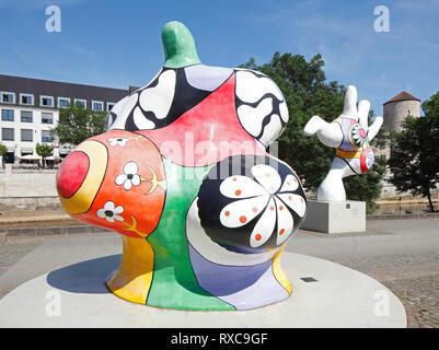 Street Art am Leineufer, hinter dem Beginenturm, Hannover, Niedersachsen, Deutschland Ich Strassenkunst am Leineufer, dahinter Beginenturm, Hannover, Nieders Stockbild