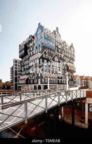 Hotel mit außergewöhnlicher Architektur in Zaandam in der Nähe von Amsterdam, Niederlande Stockbild