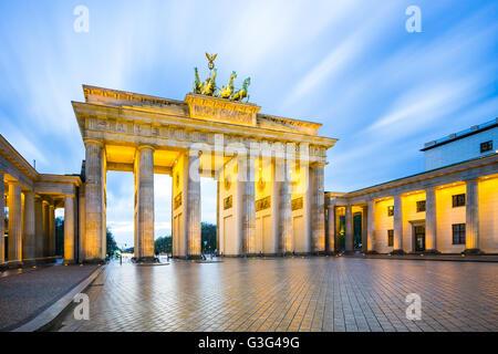 Nacht am Brandenburger Tor in Berlin, Deutschland. Stockbild