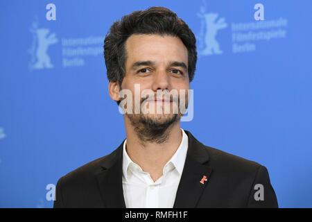 "Berlin, Deutschland. 15 Feb, 2019. 69. Berlinale, PHOTOCALL ""arighella"", Wettbewerb: Wagner Moura, Director Credit: Ralf Hirschberger/dpa/Alamy leben Nachrichten Stockbild"