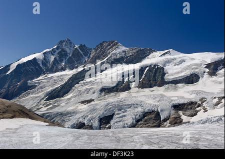 Österreich/Nationalpark Hohe Tauern - Auswirkungen des Klimawandels: mount Großglockner pasterze schmelzen Gletscher überragt. Stockbild