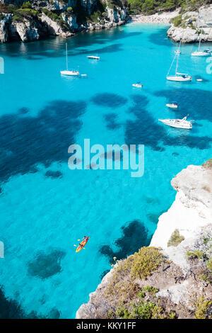 Entspannen im Cala Macarella - Menorca - Balearen Stockbild