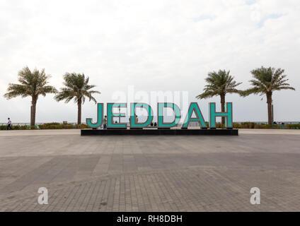 Jeddah riesige Buchstaben auf der Strandpromenade, Mekka Provinz, Jeddah, Saudi-Arabien Stockbild
