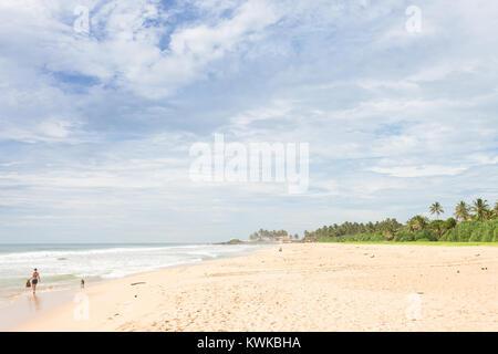 Asien - Sri Lanka - induruwa - verlassen Sie die Mühe der Stadt hinter Stockbild