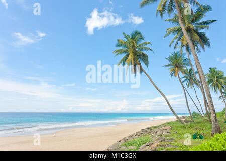 Balapitiya Strand, Sri Lanka, beruhigend auf die schönen einsamen Strand von Balapitiya Stockbild