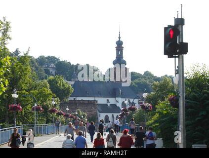 Alte Brücke mit Schloss Kirche, Saarbrücken, Saarland, Deutschland, Europa ich Alte Brücke mit Schlosskirche, Saarbrücken, Saarland, Deutschland, Europa I Stockbild