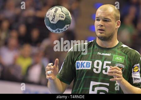 Berlin, Deutschland. 18 Apr, 2019. Handball: Bundesliga, Füchse Berlin - THW Kiel, den 27. Spieltag. Fox Paul Drux in Aktion. Quelle: Jörg Carstensen/dpa/Alamy leben Nachrichten Stockbild