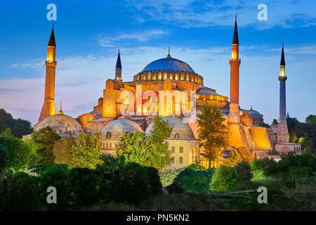Die Hagia Sophia am Abend licht, Ayasofya, Istanbul, Türkei Stockbild