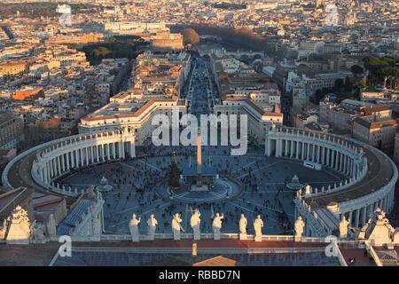 Vatikan Stadtbild von St. Peter Stockbild