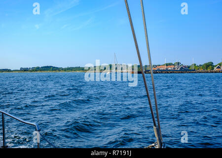 See Blick vom Schiff nach klintholm Havn, Insel Mön, Dänemark, Skandinavien, Europa. Stockbild