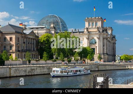 Europa, Deutschland, Berlin, eine Schifffahrt auf der Spree Stockbild