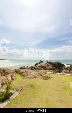 Asien - Sri Lanka - induruwa - den Blick auf den Horizont am Strand Stockbild