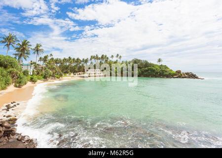 Ahangama, Sri Lanka, Asien - Ruhen auf den wunderschoenen Strand von Ahangama Stockbild