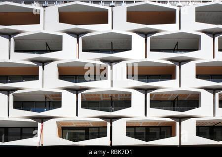 Balkon, modernes Wohnhaus, Frankfurt, Hessen, Deutschland, Europa Stockbild