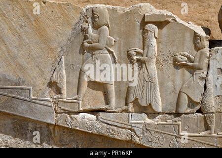 Meder und Arachos Priester, die Tachara, der Palast des Darius, des exklusive Gebäude des Darius I, Persepolis, Iran, Naher Osten Stockbild