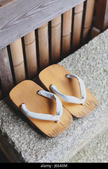 Männer Japanisch Geta Clogs Flip Flops Tanga Sandale Holzpantoffeln Schuhe Mode