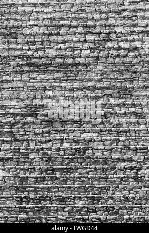 Escalera de piedra antigua maya como textura de fondo detallado en impresionante blanco y negro Imagen De Stock