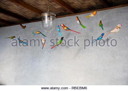 Juguetón Decoración de techo. Jalakara Villa Hotel, Islas Andamán y Nicoar, India. Arquitecto: Ajith Andagere, 2016. Imagen De Stock