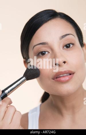 Mujer al maquillaje Imagen De Stock