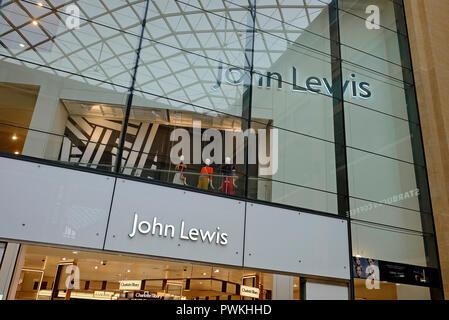 El centro comercial Grand arcade, interior, Cambridge, Inglaterra. Imagen De Stock