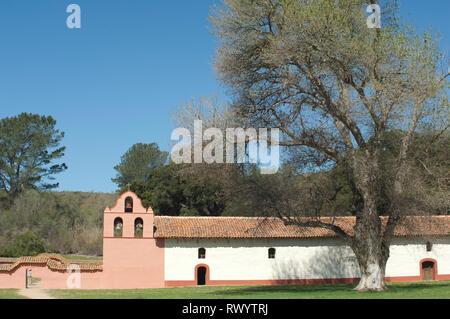 Misión de la Purísima cerca de Lompoc CA. Fotografía Digital. Imagen De Stock