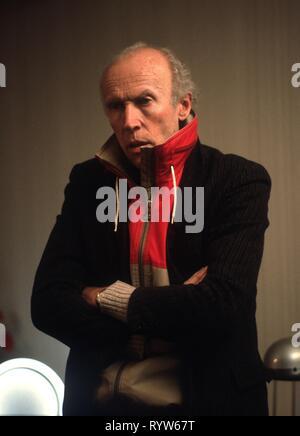 Retrato de Eric Rohmer durante el rodaje de la película 'Les Nuits de la pleine lune' en 1984. Imagen De Stock