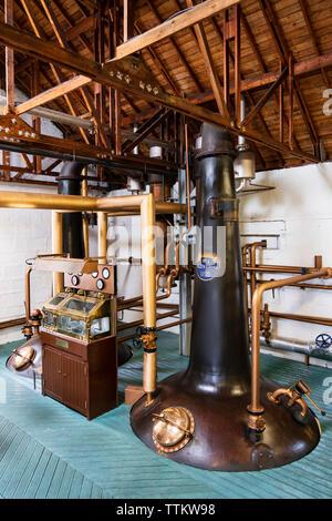 Vista de todavía en Bruichladdich Distillery en la isla de Islay en Inner Hebrides de Escocia, Reino Unido Imagen De Stock