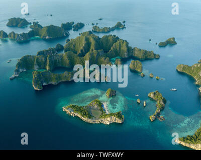 Vista aérea de Raja Ampat, Papua Occidental, Indonesia Imagen De Stock