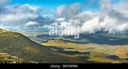 Las laderas del Monte Adams vistos desde Mount Washington road, Imagen De Stock