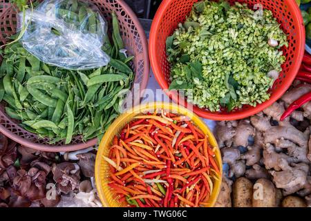 Vista aérea de las hortalizas frescas en un mercado, Tailandia Imagen De Stock