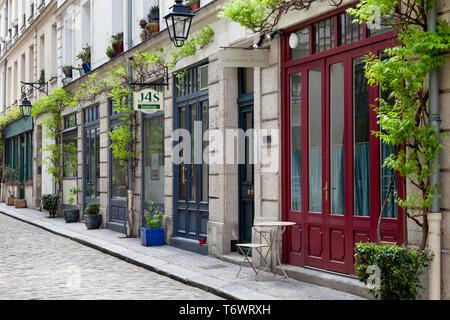 Oficinas comerciales a lo largo de Cour Damoye, cerca de la Bastilla, 11º arrondissement de París, Francia Imagen De Stock