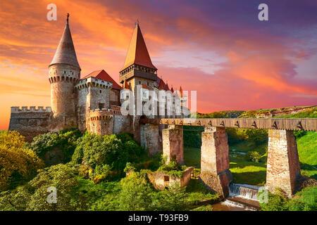 El castillo de Corvin, Hunedoara, Transilvania, Rumania Imagen De Stock