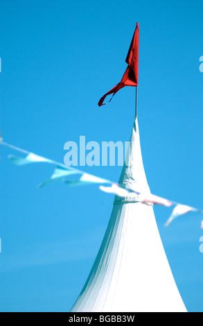 Fotografía de la fiesta de cumpleaños de marquesina soleadas vacaciones de verano para niños Imagen De Stock