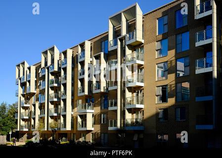 Moderno edificio de apartamentos, área de CB1, Cambridge, Inglaterra. Imagen De Stock