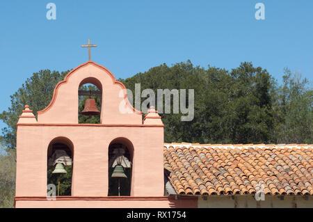 Campanario en La Purísima misión cerca de Lompoc CA. Fotografía Digital. Imagen De Stock