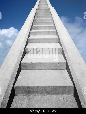 Ver EN LA PARTE INFERIOR DEL CONJUNTO DE escaleras de cemento MIRANDO HACIA ARRIBA EN UN CIELO AZUL - s14723f HAR001 HARS VICTORIA CIELOS ELECCIÓN EXTERIOR COMPUESTO DE ÁNGULO BAJO EL CIELO Sentido escalera arriba ESCALERA ESCALERA CONCEPTO CONCEPTUAL CONEXIÓN BODEGÓN PARADISE empinadas fieles elegante conceptos simbólicos FE IDEAS DE CRECIMIENTO buscan recompensar la creencia concreta representación HAR001 ANTIGUA Imagen De Stock