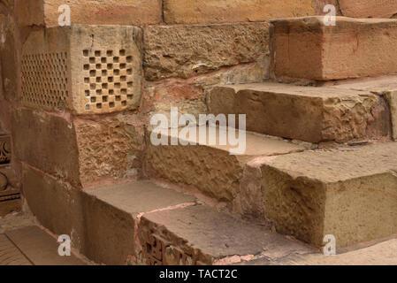 - 099 SSK abstracta en la forma de los pasos del templo de Laxmana Khajuraho, Madhya Pradesh, India Asia 11 de diciembre de 2014 Imagen De Stock